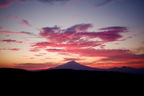 pic shasta sunset